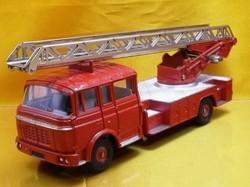 (045)dnベルリエ消防車01.jpg