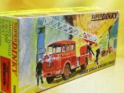 (045)dnベルリエ消防車07.jpg