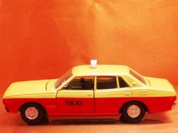 (058)30dp230セドリックタクシー03.jpg