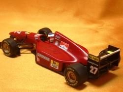 (007)94フェラーリ412TK02.jpg