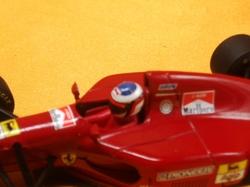 (007)94フェラーリ412TK04.jpg