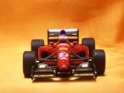 (007)94フェラーリ412TK05.jpg